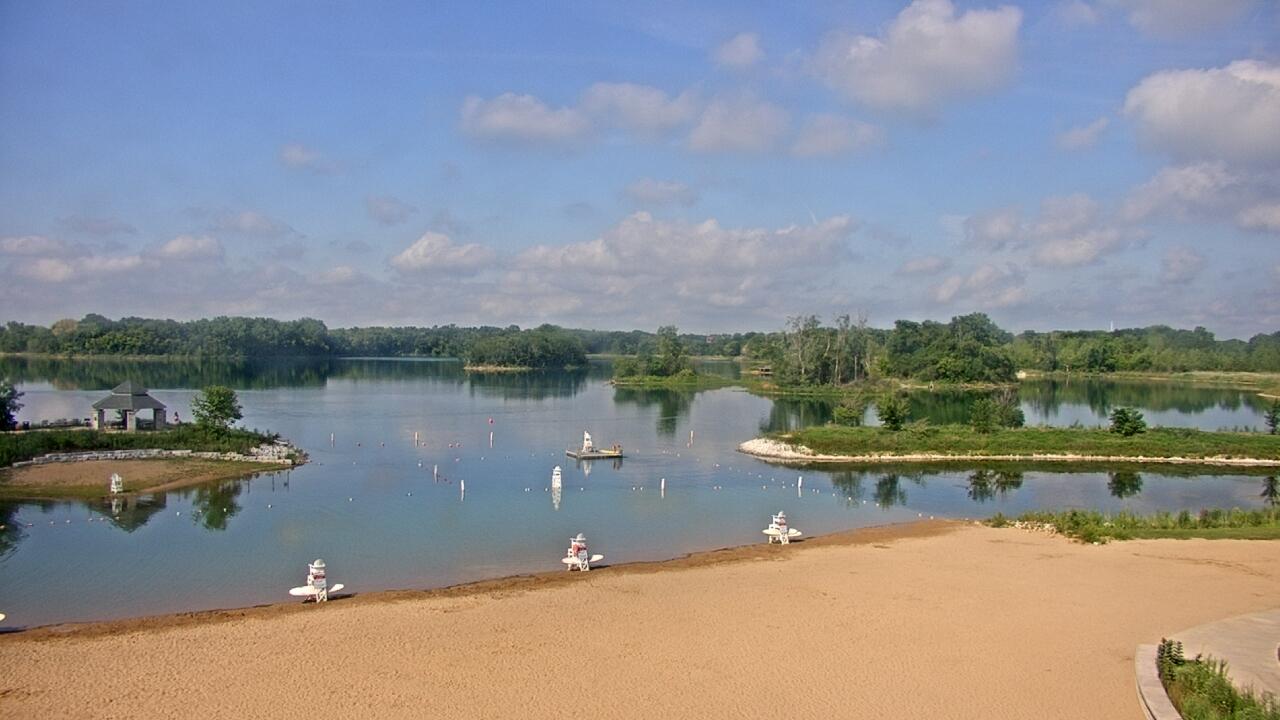 Live Camera from Three Oaks Recreation Area, Crystal Lake, IL 60014