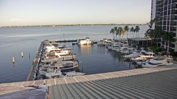 Live Camera from Pinchers Marina at Edison Ford, Fort Myers, FL