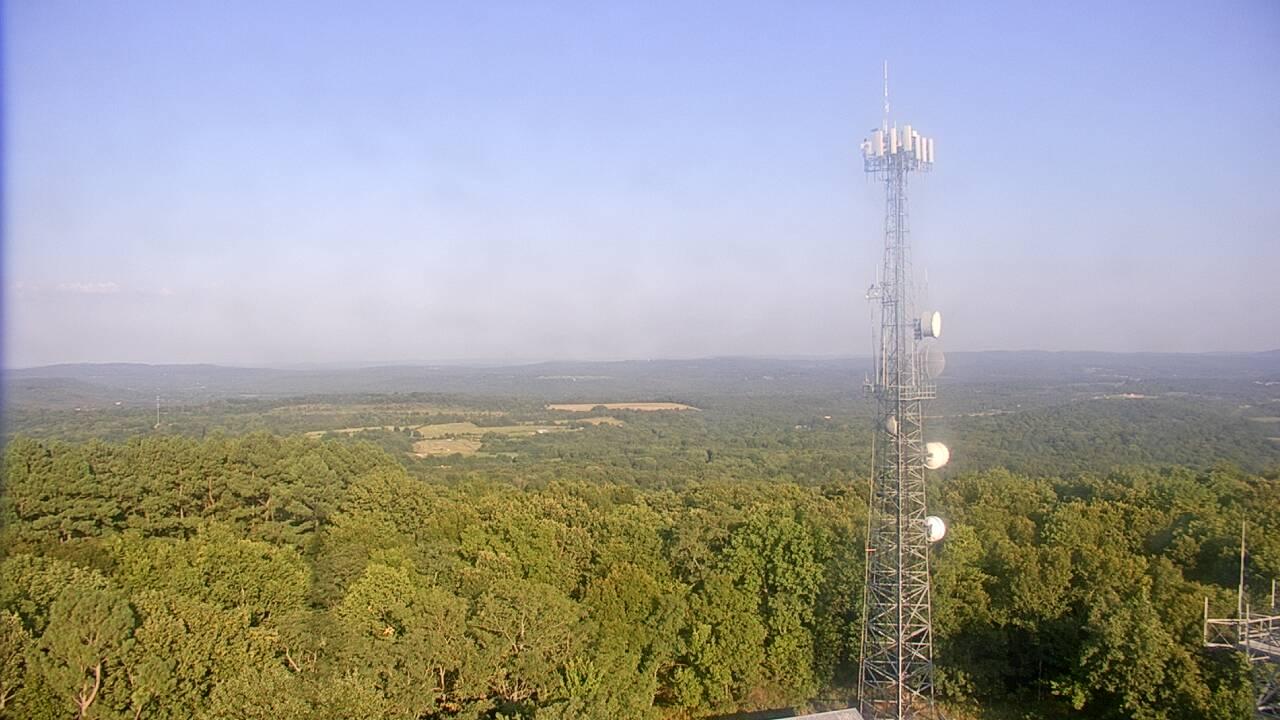 Live Camera from Kessler Mountain, Fayetteville, AR 72701