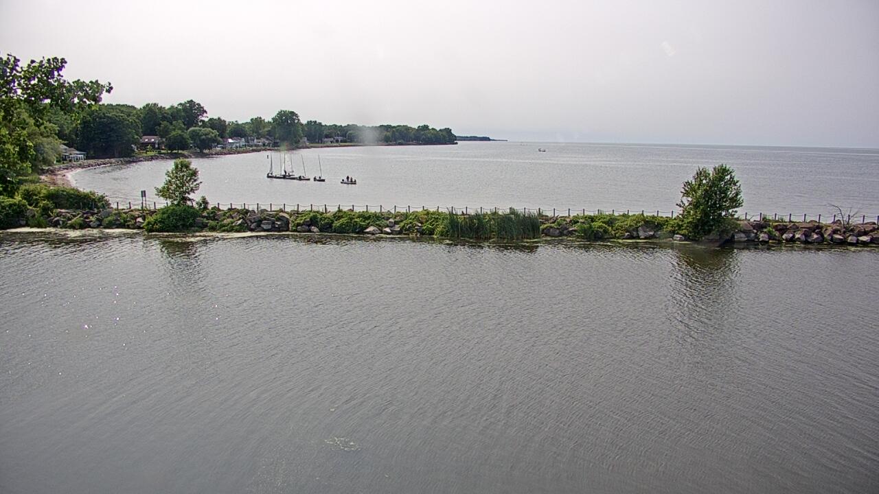 Live Camera from Oak Orchard Lighthouse, Kent, NY 14477