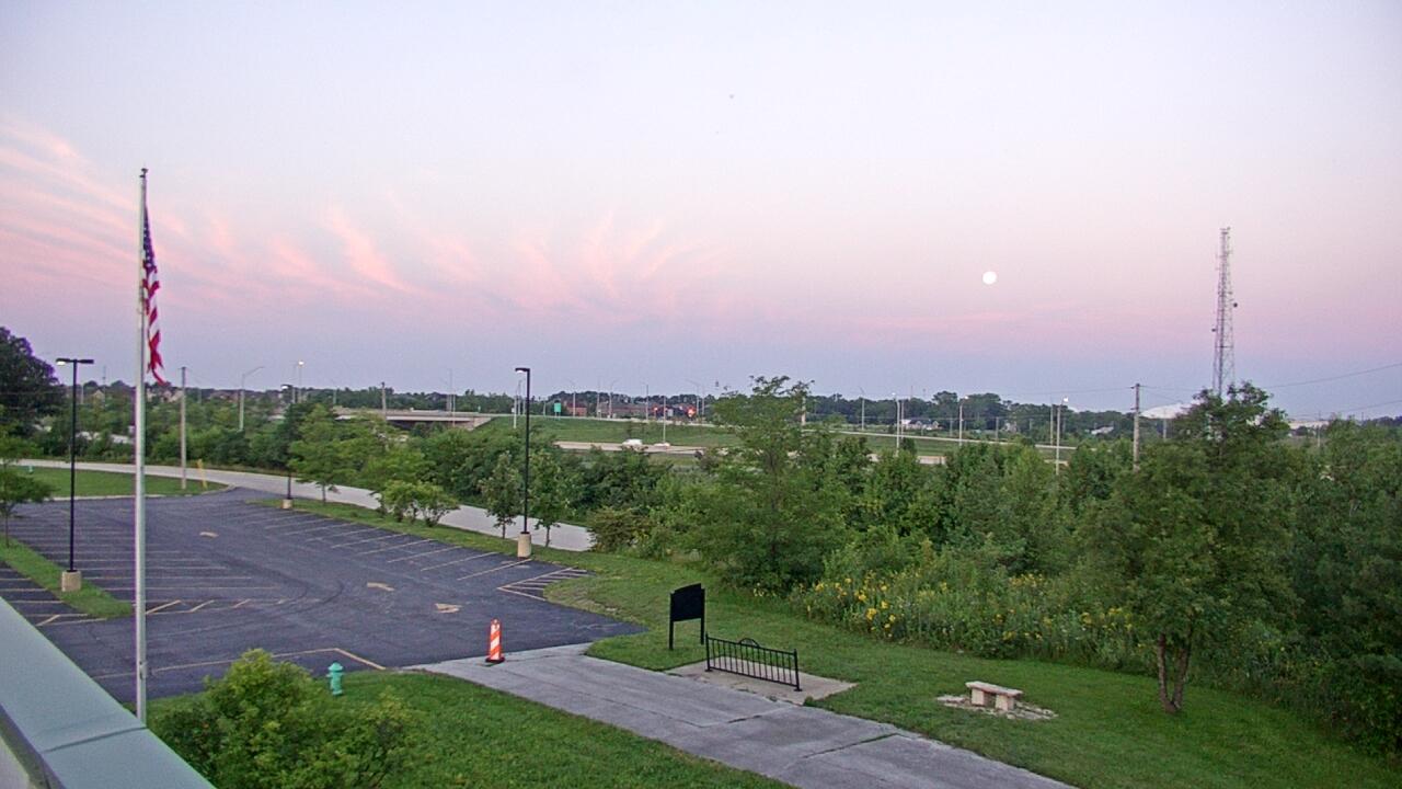 Live Camera from Lemont Twp Community Center, Lemont, IL 60439