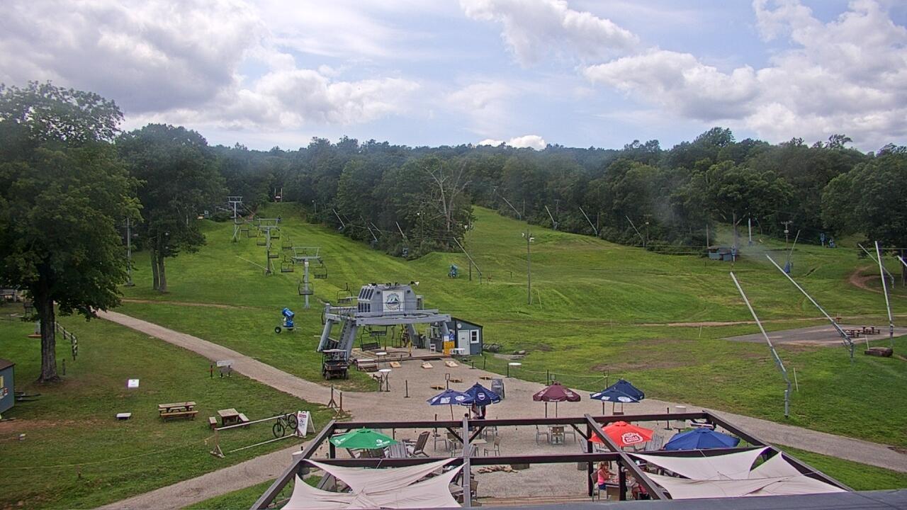 Live Camera from Powder Ridge Ski Resort, Middlefield, CT 06455