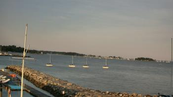Live Camera from Beach Point Club, Mamaroneck, NY 10543