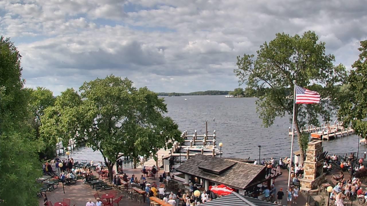 Live Camera from Maynards Restaurant, Excelsior, MN 55331