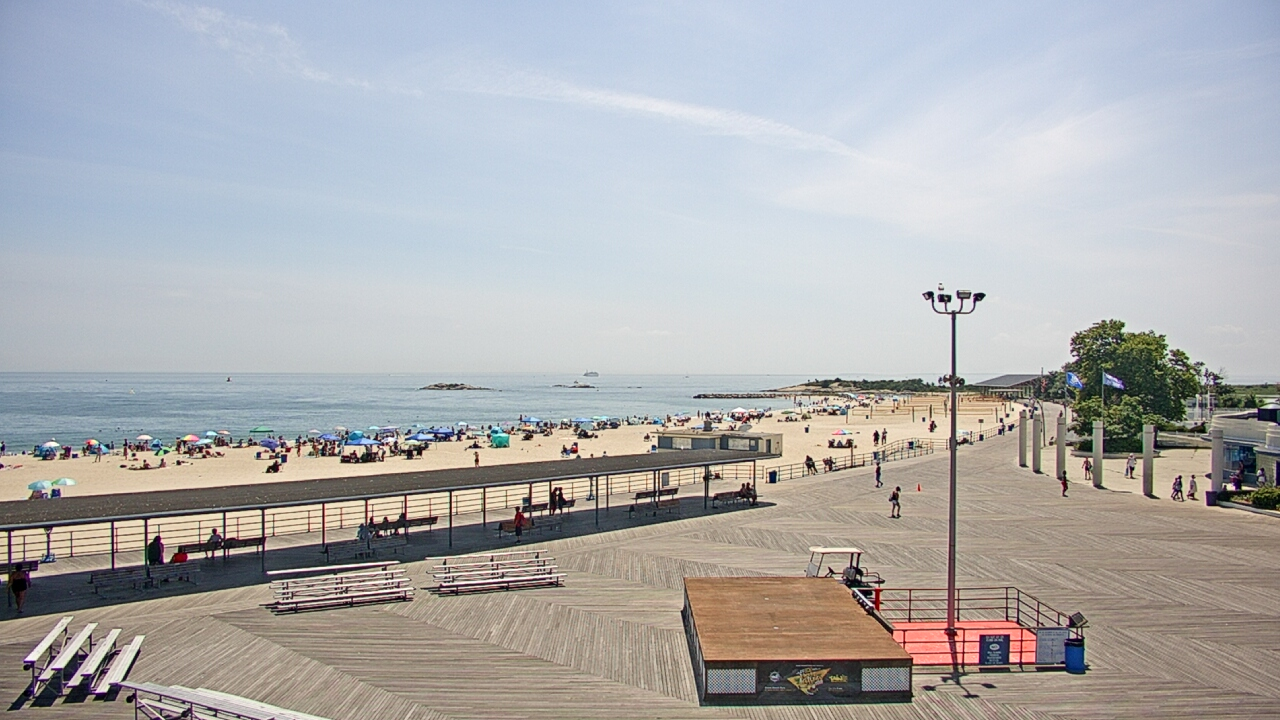 Live Camera from Ocean Beach Park, New London, CT 06320