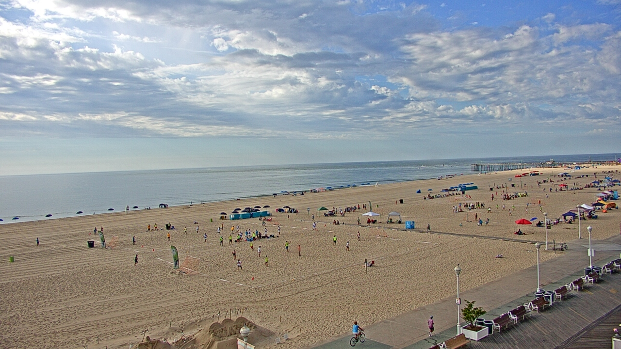 Live Camera from Plim Plaza Hotel, Ocean City, MD 21842