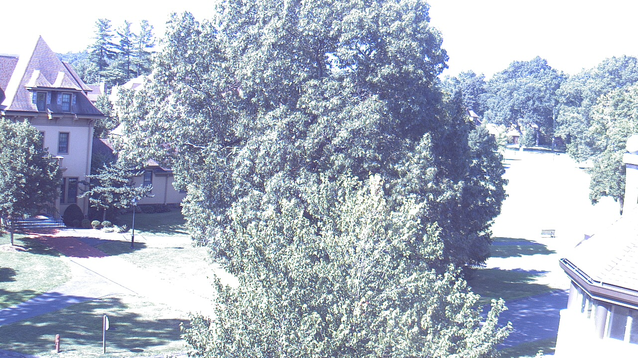 Live Camera from Westminster School, Simsbury, CT 06070