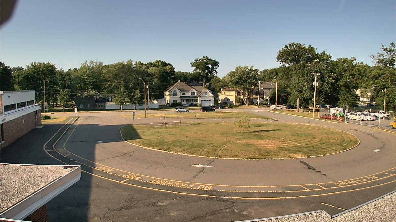 Live Camera from Memorial JHS, Whippany, NJ 07981